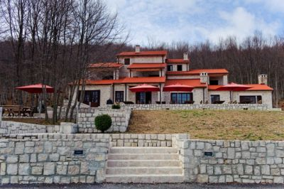 pogled_na_hotel_na_lovcenu ivanov konak, Cetinje