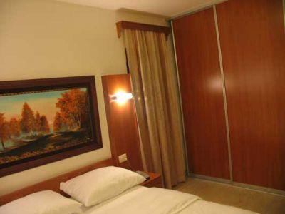 room_at_hotel_perjanik