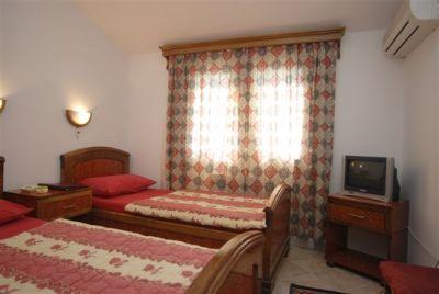 room grbalj, Budva