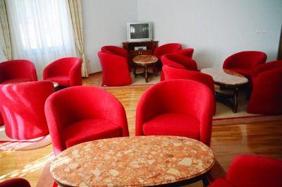 hotel – vila jadranska straža – bijela