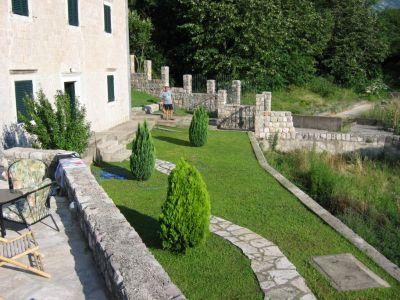 11 kamena palata - dobrota, Kotor