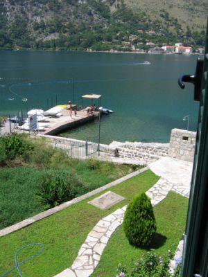 17 kamena palata - dobrota, Kotor