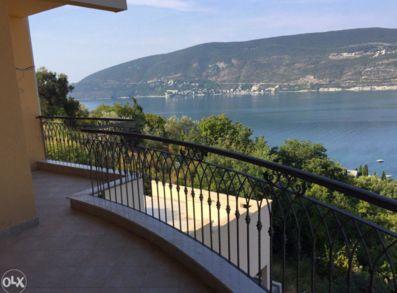 pogled_na_more_prodaja_stanova_herceg_novi_villa_bellevue_montenegro