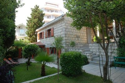 1 stone house for rent, becici