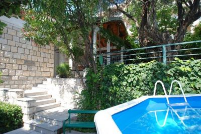 3 stone house for rent, becici