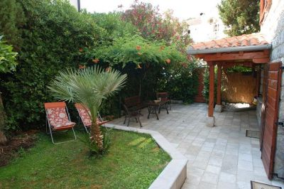 7 stone house for rent, becici