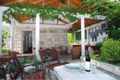 9 stone house for rent, becici