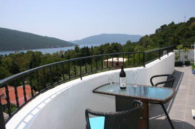 balkon_apartmani_montra_kumbor_crna_gora