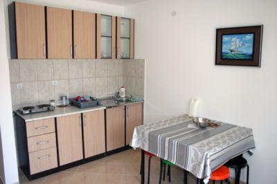 kuhinja_prizemlje_apartmani_montra_kumbor_crna_gora