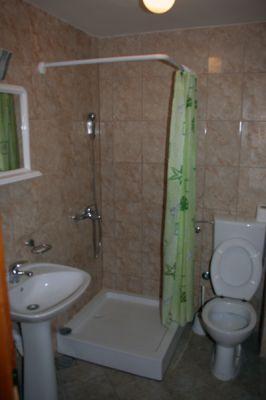 kupatilo_prizemlje_apartmani_montra_kumbor_crna_gora