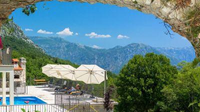 6 stone bridge eco resort, Morinj