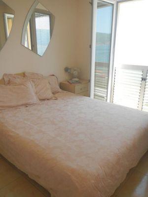 1 bijela di apartman