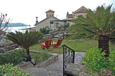 Stone_Villa_Down_Town_Herceg_Novi_Montenegro.jpg