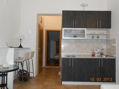 kuhinja_apartman_200_metara_od_mora_apartmani_tre_sorelle_kumbor