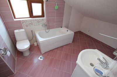 kupatilo_apartmani_tre_sorelle_kumbor