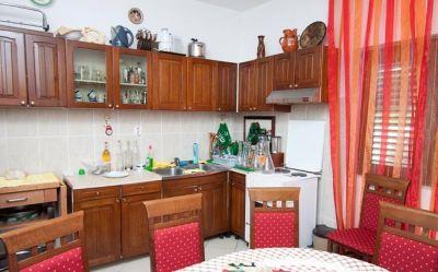 stan_kuhinja_apartmani_tre_sorelle_kumbor
