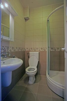 three_bed_room_bathroom_apartments_obala_katic