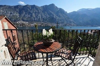 img_2862 traditional dalmatian villa in muo with balcony for sale €375,000, Kotor