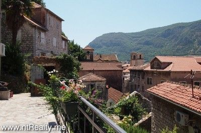 kotor old town, apartment for sale 150 (17) sold kotor old town,  with use of large terrace €99,000 sold
