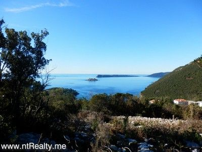 p1130885 lustica-zanjice, plot with views over forts mamula, arza and prevlaka for sale €169,500