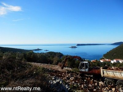 p1130899 lustica-zanjice, plot with views over forts mamula, arza and prevlaka for sale €169,500