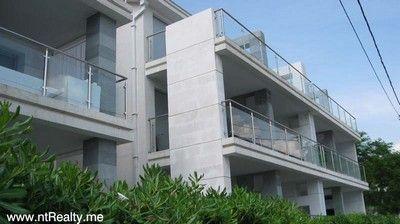 052 stoliv 2 bedroom  with pool for sale €250,000, Kotor