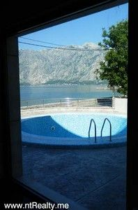 p6190036 stoliv 2 bedroom  with pool for sale €250,000, Kotor
