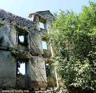 p7220122 risan-stone palace and land for sale €550,000