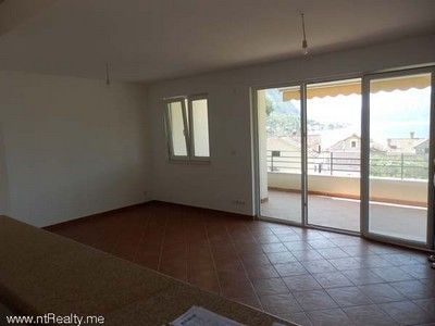 p6110011 sold orahovac   with large balcony, 2 bedroom, 2 bathroom €180,000 sold, Kotor