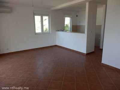p6110012 sold orahovac   with large balcony, 2 bedroom, 2 bathroom €180,000 sold, Kotor