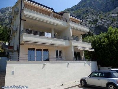 p6110018 sold orahovac   with large balcony, 2 bedroom, 2 bathroom €180,000 sold, Kotor