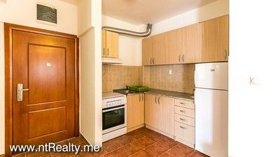 tivat 1 bedroom apartment for sale 238 (9) tivat - seljanovo  close to the bars and restaurants of porto montenegro for sale €95,000