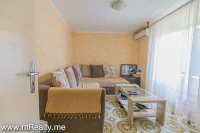 tripovici cottage with parking for sale (1)