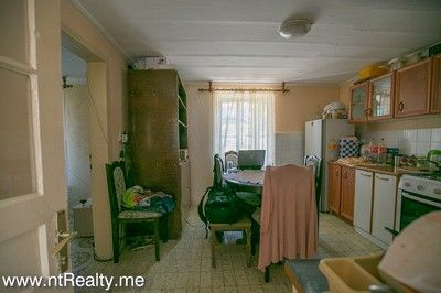 tripovici cottage with parking for sale (2)