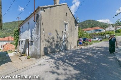 tripovici cottage with parking for sale (6) tivat,tripovici- cottage for renovation with parking for sale €80,000