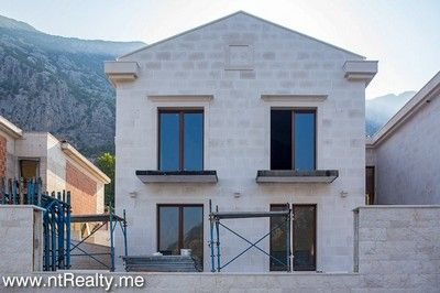 villas at dobrota palazzi for sale  295(10)