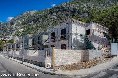 villas at dobrota palazzi for sale  295(2) waterfront villas at dobrota palazzi for sale €1.200,000, Kotor