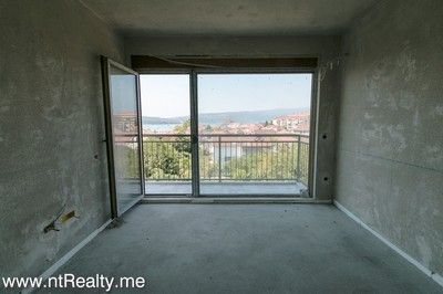 one bedroom apartment in new building  kalimanj (1) tivat - kalimanj, 1 bedroom  with sea views for sale €95,000