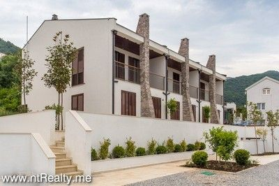 andrijabudva0617_18 tivat - donja lastva, town houses in a new built residential complex for sale €278,000