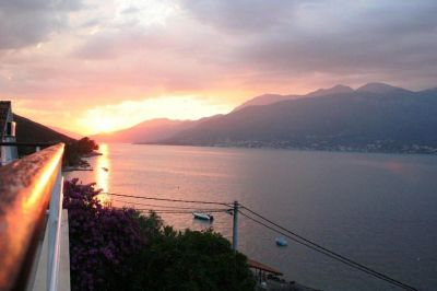 2 sea side luxury villa with private pool, krasici, € 425,000, Tivat