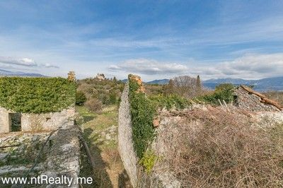 gosici stone ruin with 492m2 plot  (10)