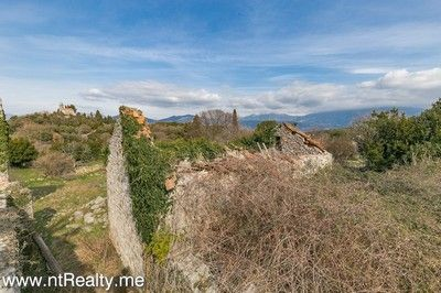 gosici stone ruin with 492m2 plot  (8)