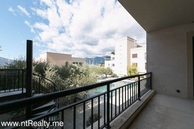 porto_montenegro_apartment (10) porto montenegro - 1 bedroom  with pool and garage for sale €888,000, Tivat