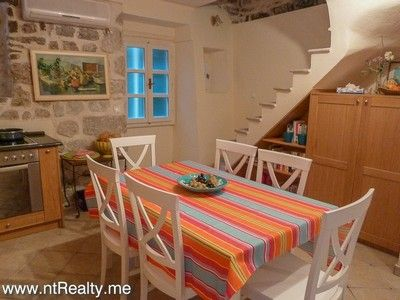 kotor old town apartment for sale (2) kotor old town - elegant 2 en-suite bedroom  with use of courtyard for sale €185,000