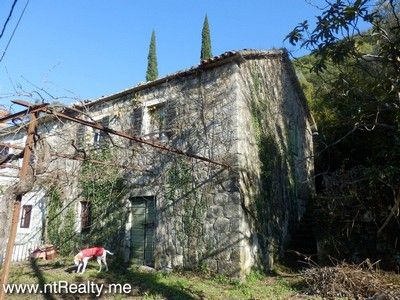 pb280516 tivat - kavac, stone ruin and land for sale €127,000