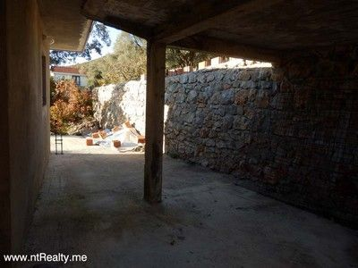 pc120610 lustica - eraci, villa with stunning views of the bay for sale €159,000, Tivat