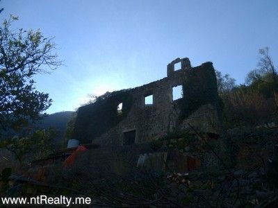 p1150961 kotor bay - stoliv, captains villa ruin with views over perast for sale €180,000