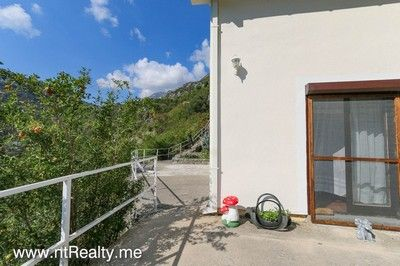 morinj_house (2) kotor bay - morinj, semi-detached house with view over perast for sale €85,000