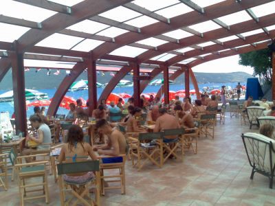 vila laban beach bar