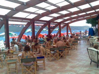 vila laban beach bar